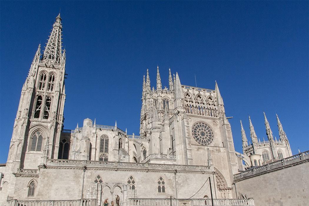 Burgos, the old kingdom capital of Tapas| holafoodie.com