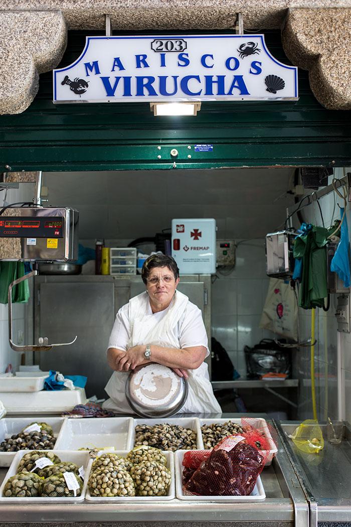 The central food market in Santiago de Compostela | holafoodie.com