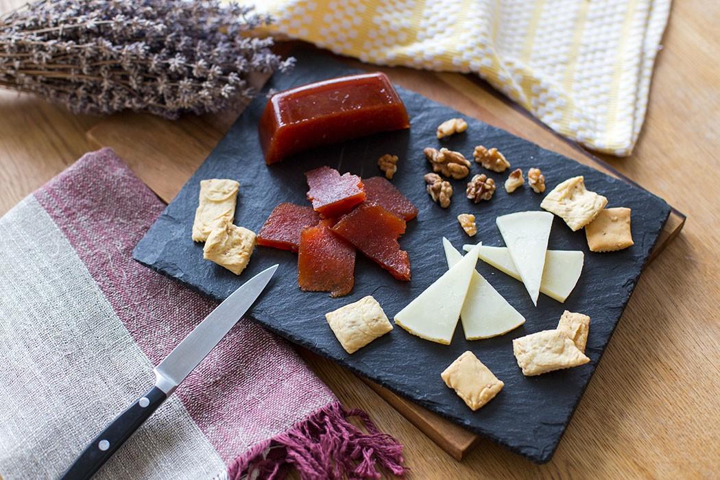 Spanish Quince Paste Recipe | holafoodie.com